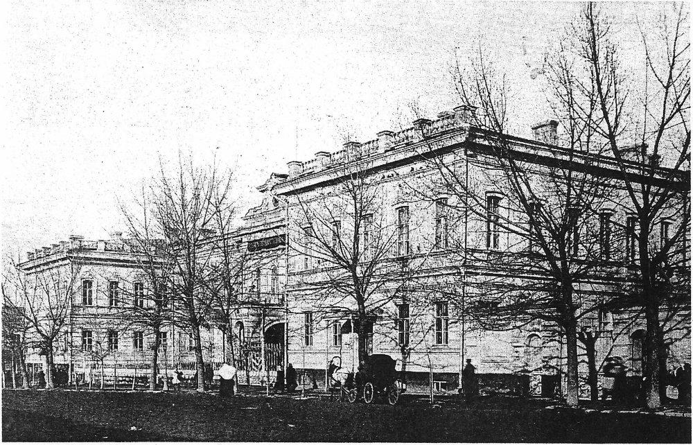 Old_Gosbank_Building_(Rostov-on-Don).thumb.jpg.c427277a9f1e1e4bb7a81c0aacf855c4.jpg